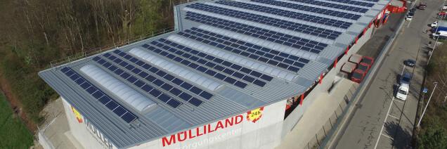 Photovoltaik-Anlage auf dem Dach der K. Müller AG