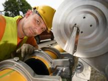 mitarbeiter mpntiert gasleitung